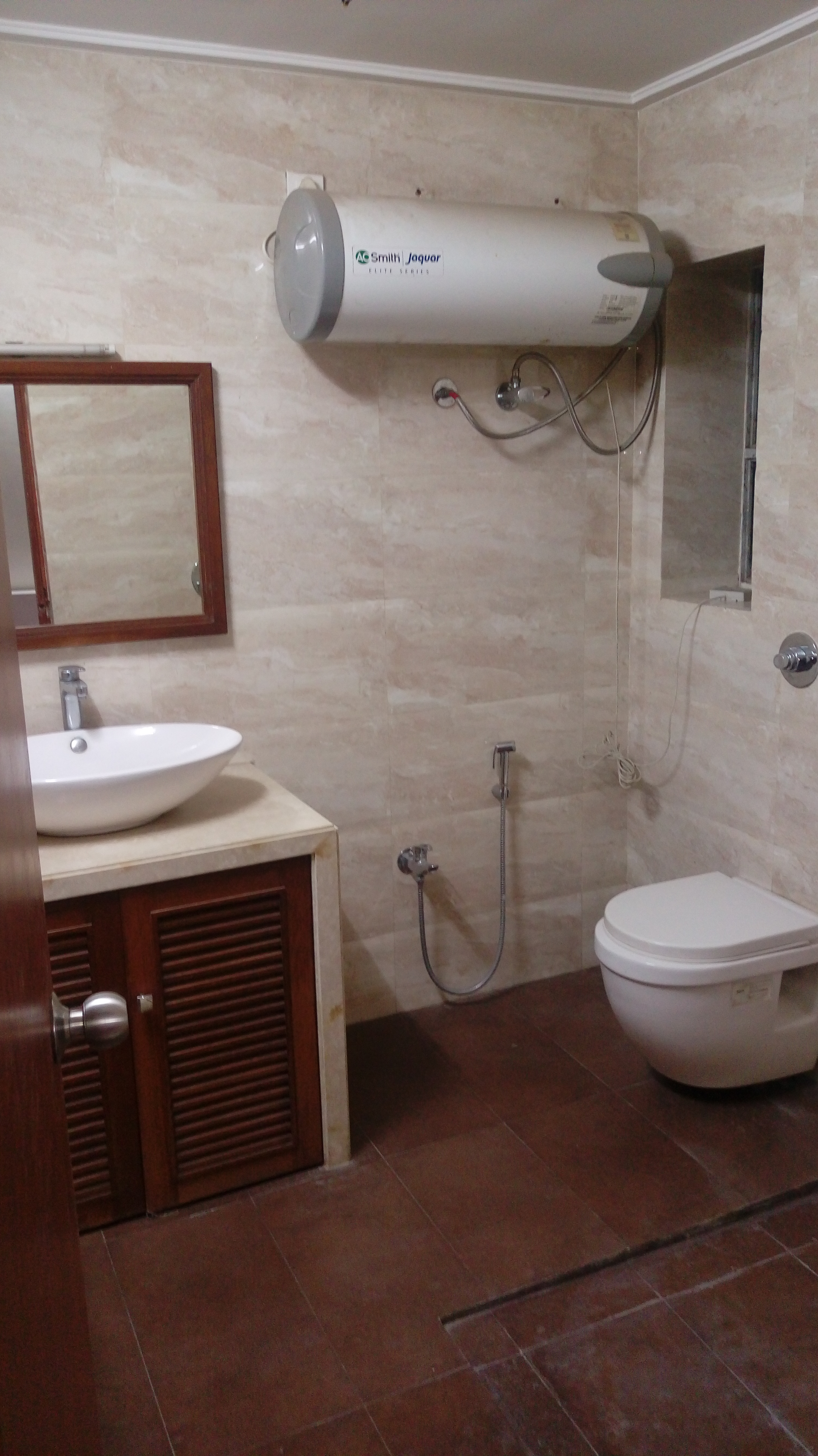 2 bhk fully furnished flat in dharampeth