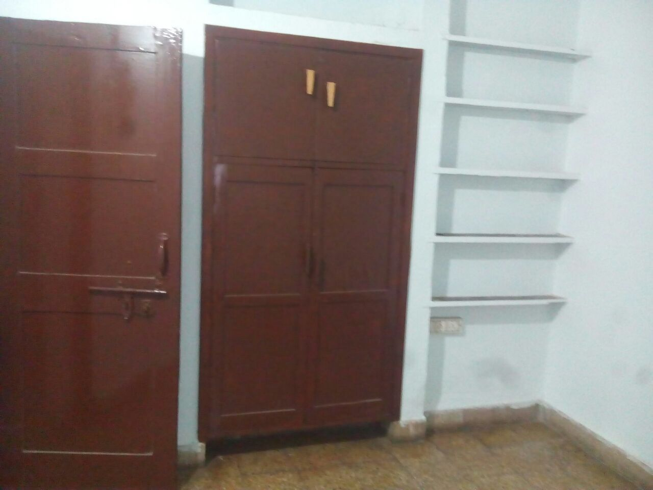 2bhk semifurnished flat for rent  at new verma layout, ambazari