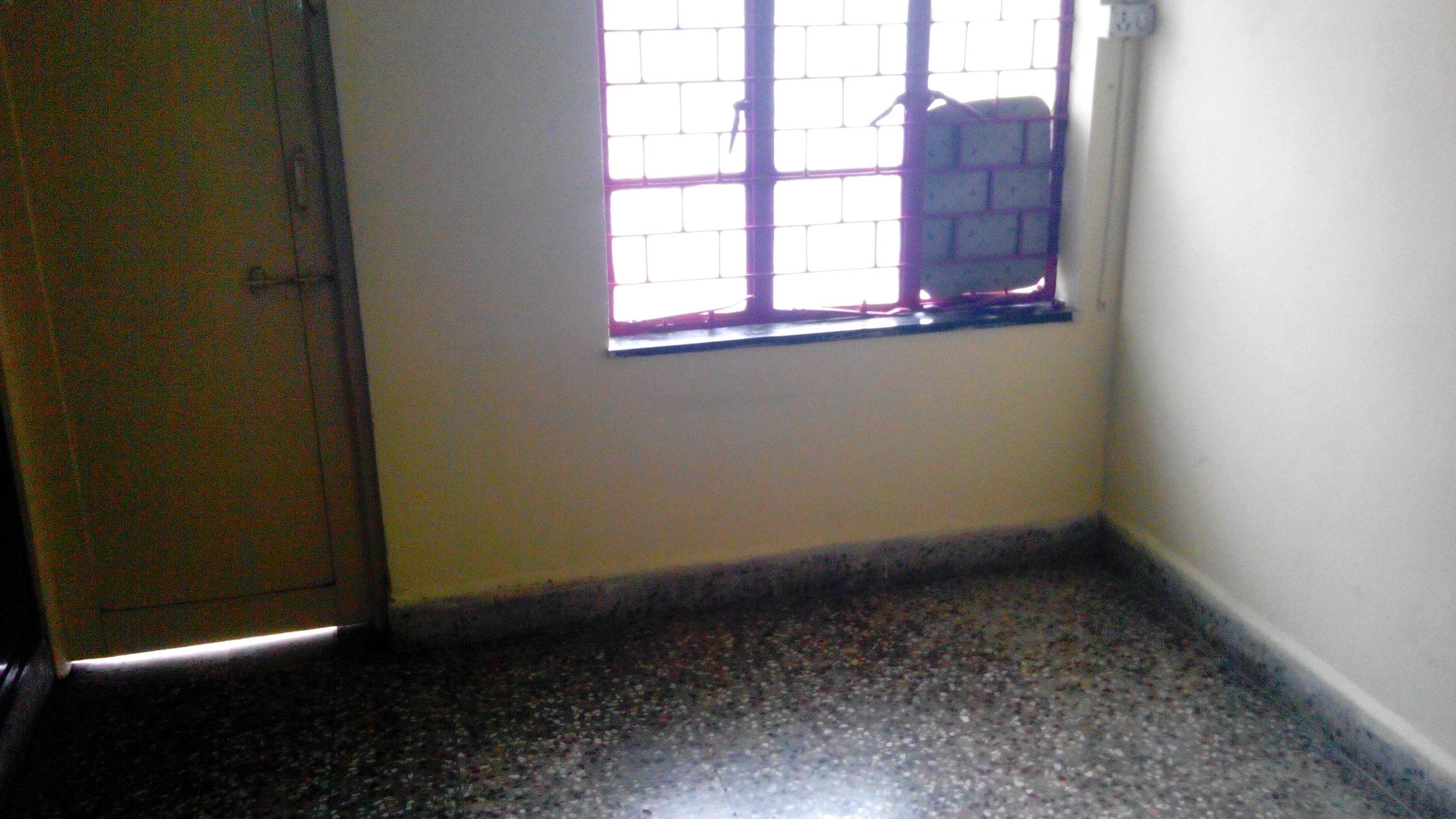 Its 1bhk posh semifurnished flat for rent 8000 at verma layout