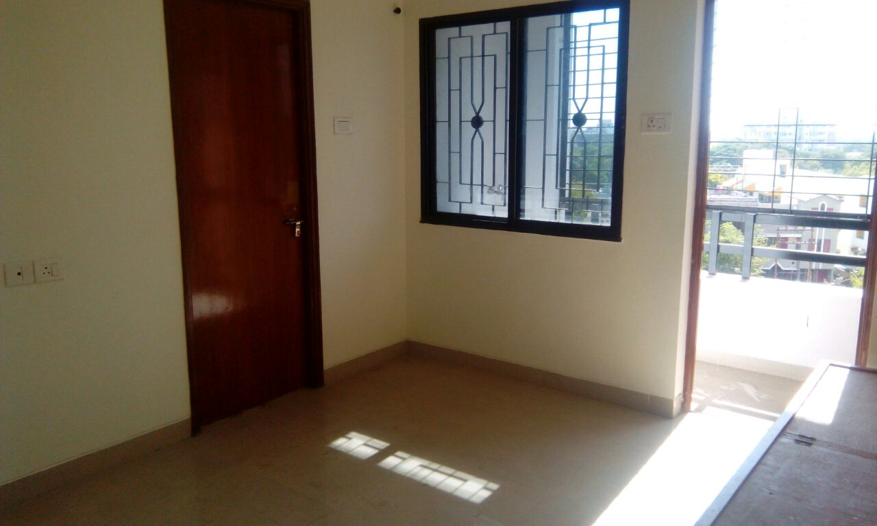 Want to give 2bhk flat on rent, flat is on middle floor very spacious with pop in hall,