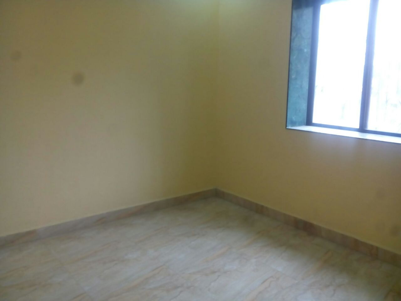 1bhk on 1st floor flat is available for rent 7000 prime location at pratap nagar
