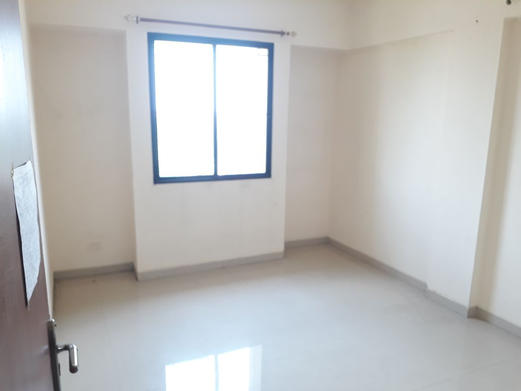 A very good 2 bhk flat for rent in the heart, ram nagar, nagpur