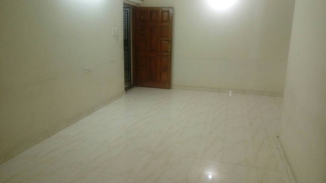 new flat, located at prime location of laxmi nagar, 8 rasta chouk