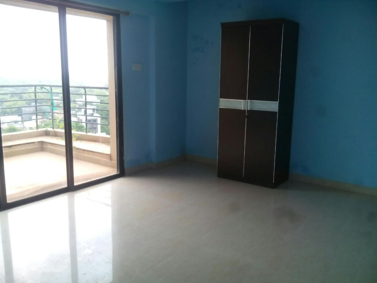 Want to rent out a 3 bhk apartment available in  ram nagar.
