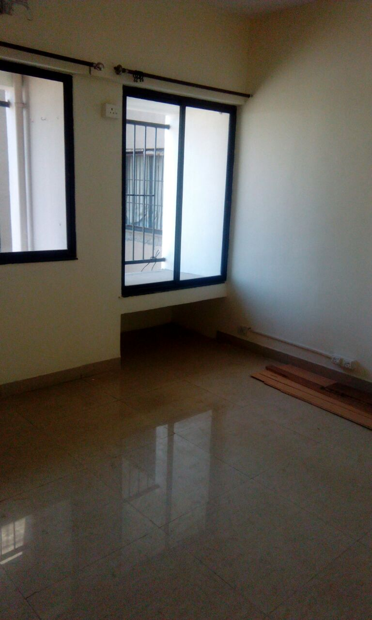3.5bhk semifurnished posh flat in a big society in tata capital heights,medicle square