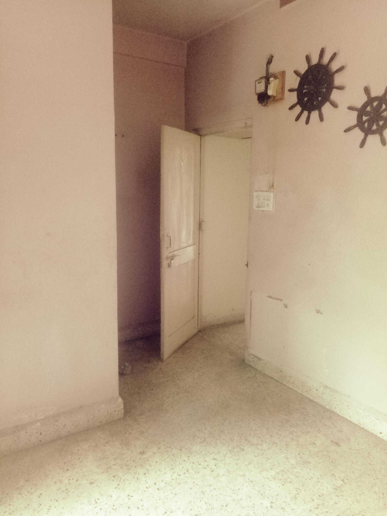 on ground floor 2bhk new flat rent 15000 in padole square ,pratap nagar