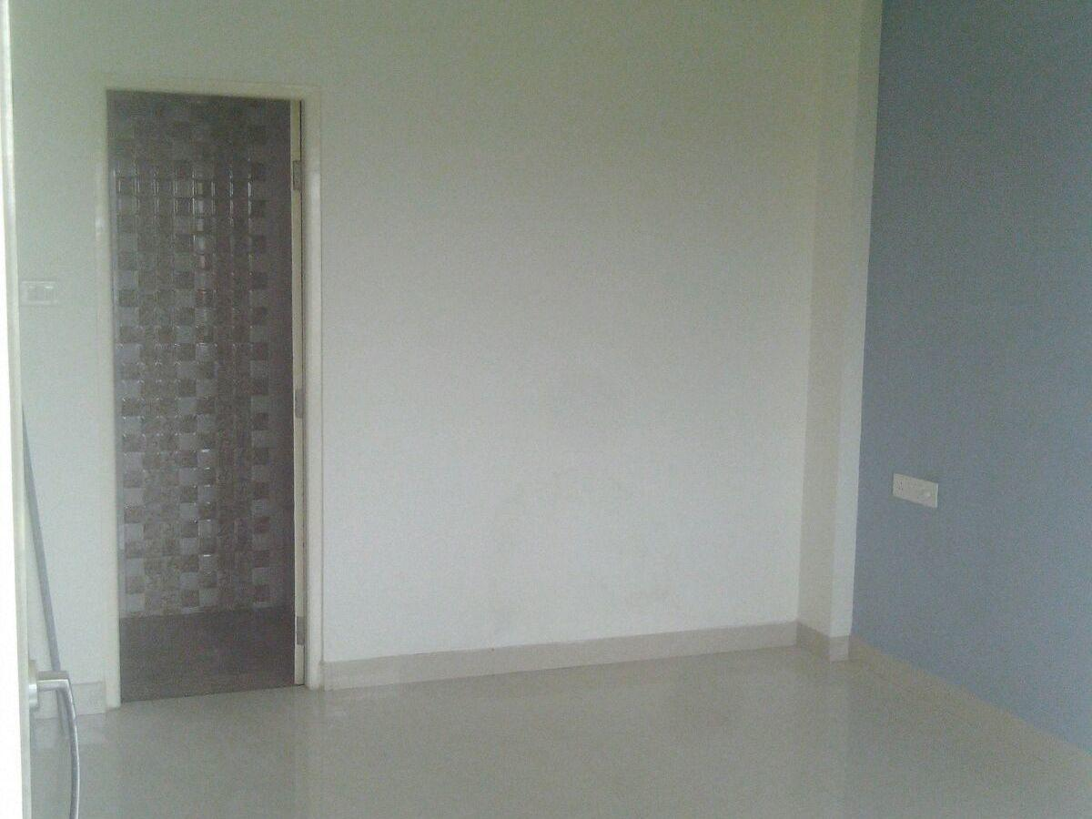 On ground floor 2bhk very posh house rent 15000in gawande layout, telecome nagar