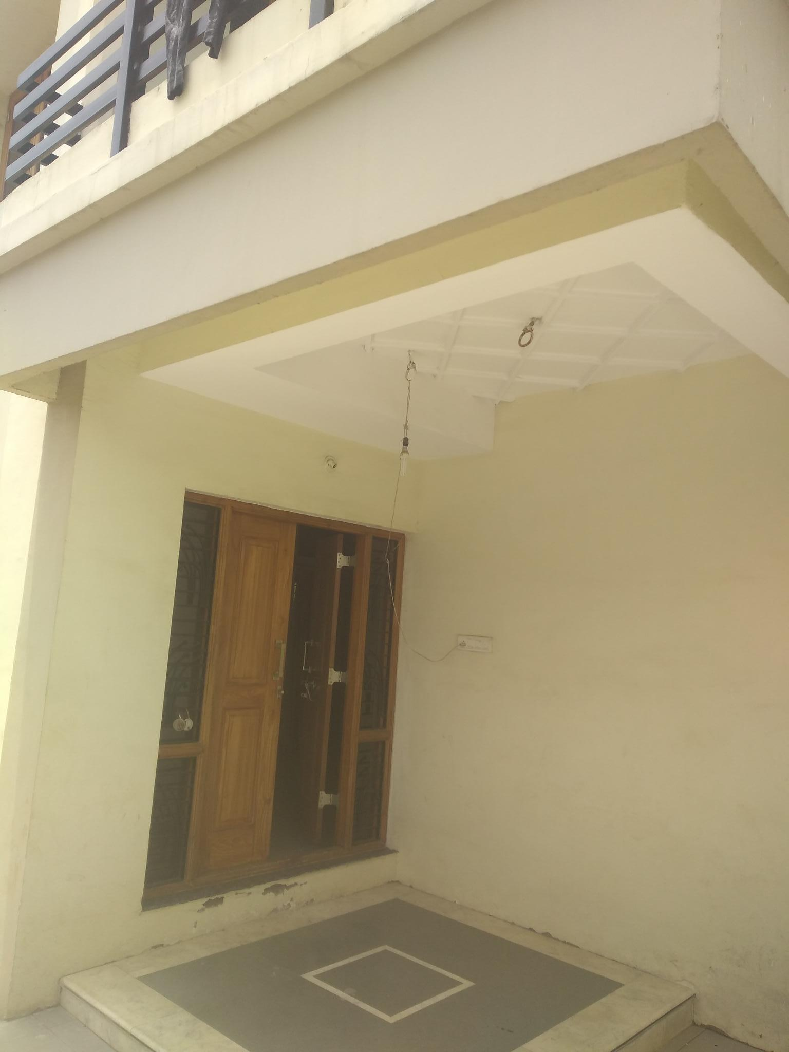 On ground floor 2bhk posh flat available for rent 15000 in pratap nagar,