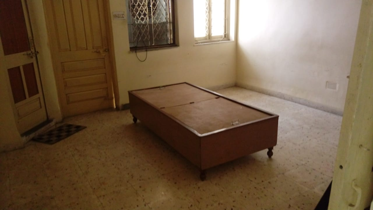 semifurnished 2bhk rent 12000 in Ajni square, prashant nagar