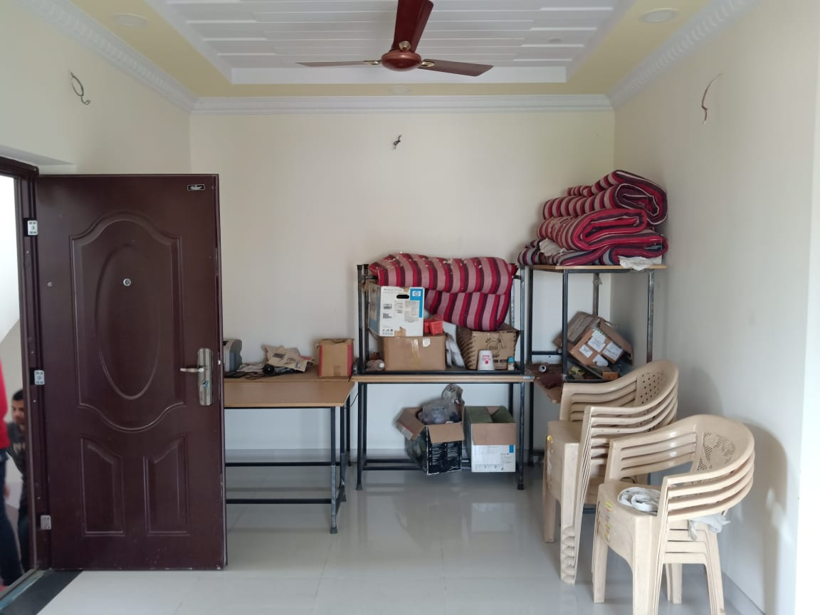 with 2AC ,1bhk semifurnished flat for rent 8500 in pratap nagar