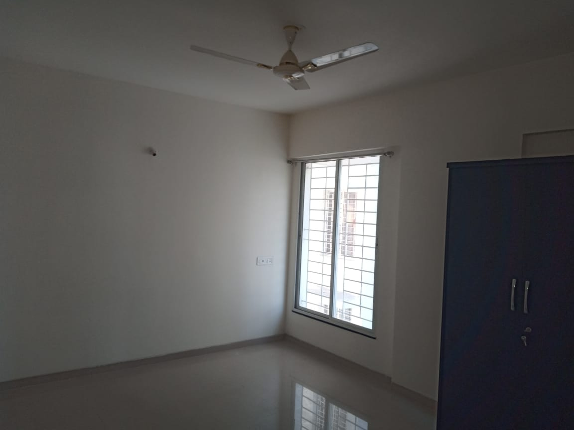 well maintained 3bhk semifurnished rent 22000 in swavlambi nagar