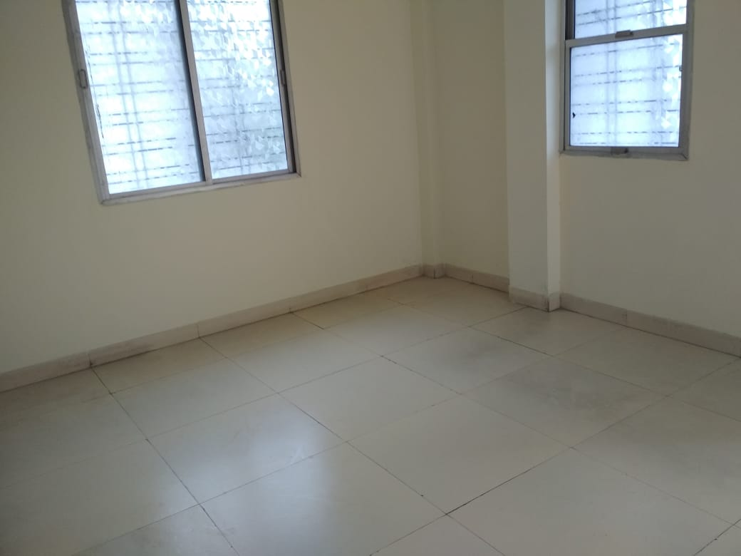 very posh 3bhk  semifurnished flat rent 21000 in laxmi nagar