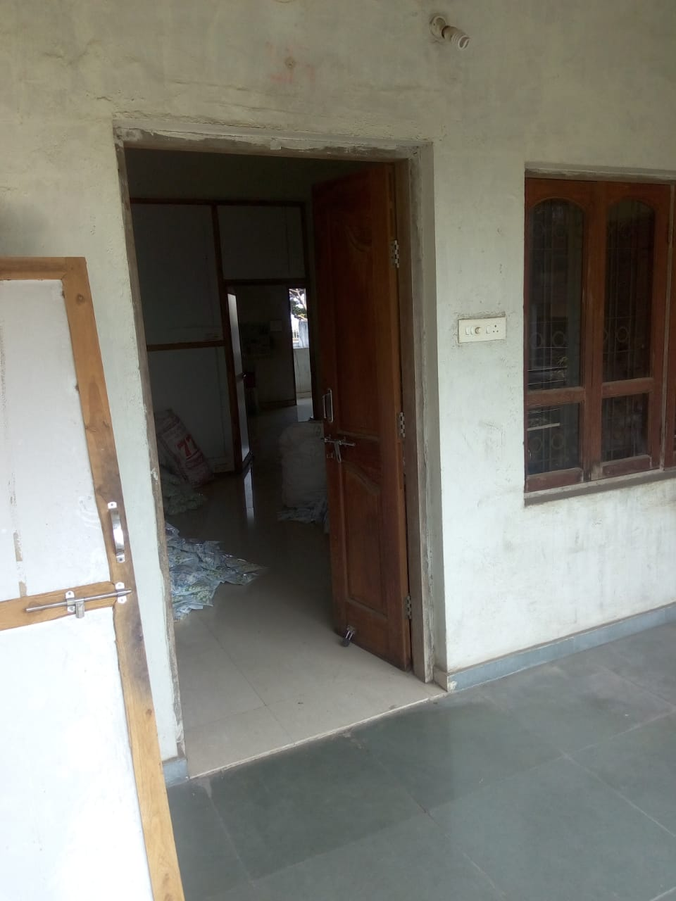 for  office  used 1300 sqft. for  godaun, tuition classes ,  for  t-point, Hingna