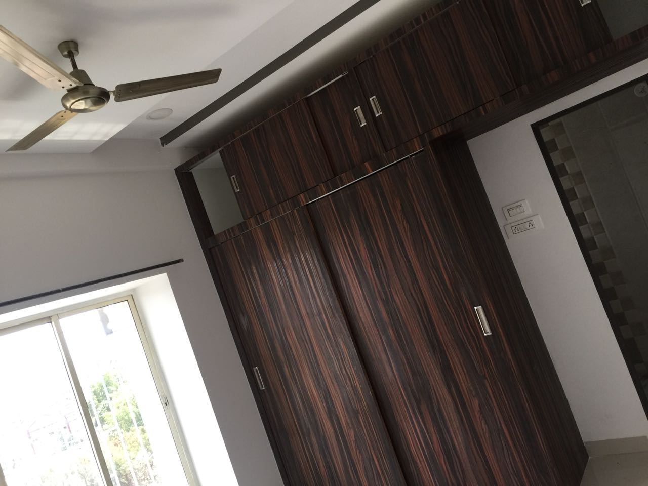 3bhk Apartment available for rent at dharampeth