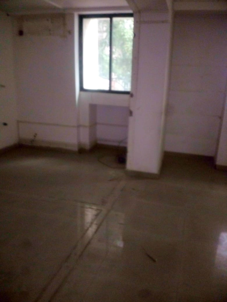 300sqft.  shop available for rent at hingna t point, yashodha nagar
