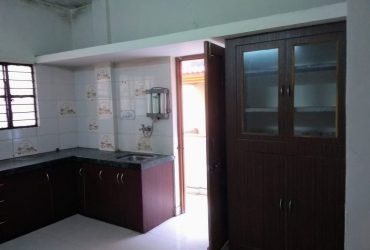 2bhk semifurnished house available for rent in shri nagar, chatrapati square