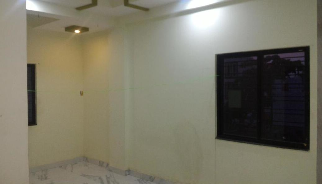 On ground floor 2bhk semifurnished flat for rent 9000 at trimurti nagar