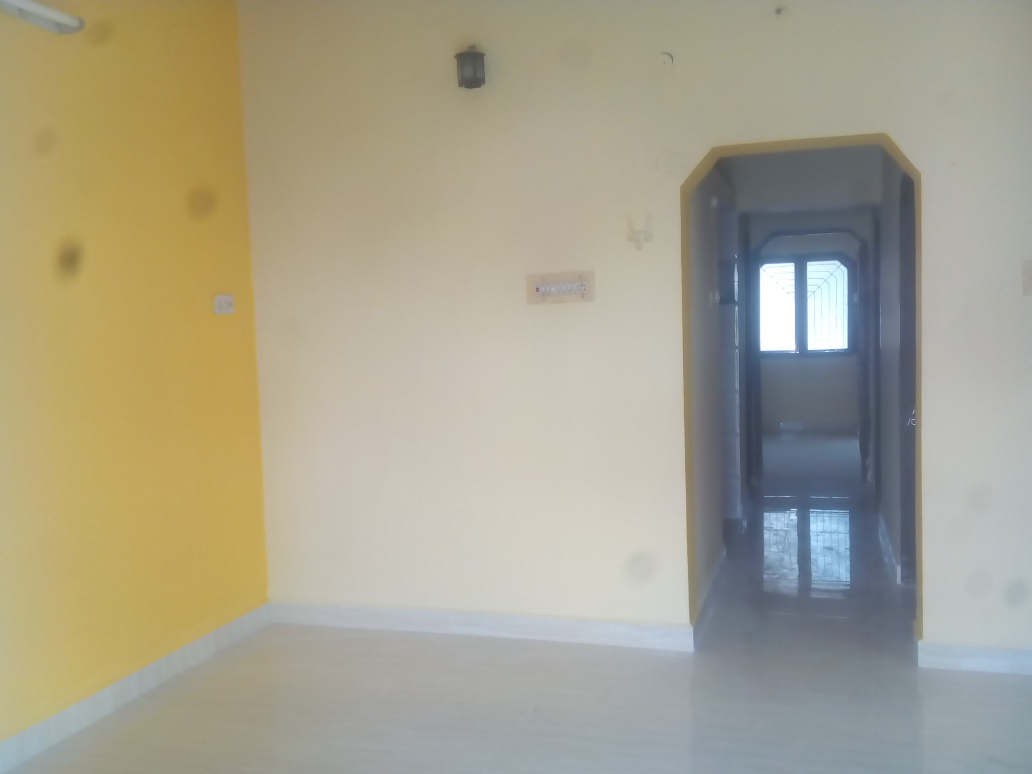 2bhk flat on sahakar nagar  for rent 8000 with modular kitchan