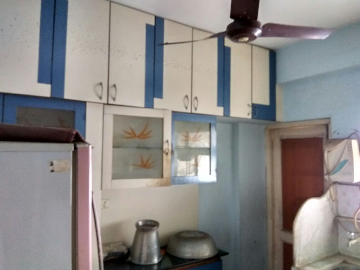 Fully furnished flat with AC in all rooms and hall, fridge, modular kitchen with chimney, microwave etc.