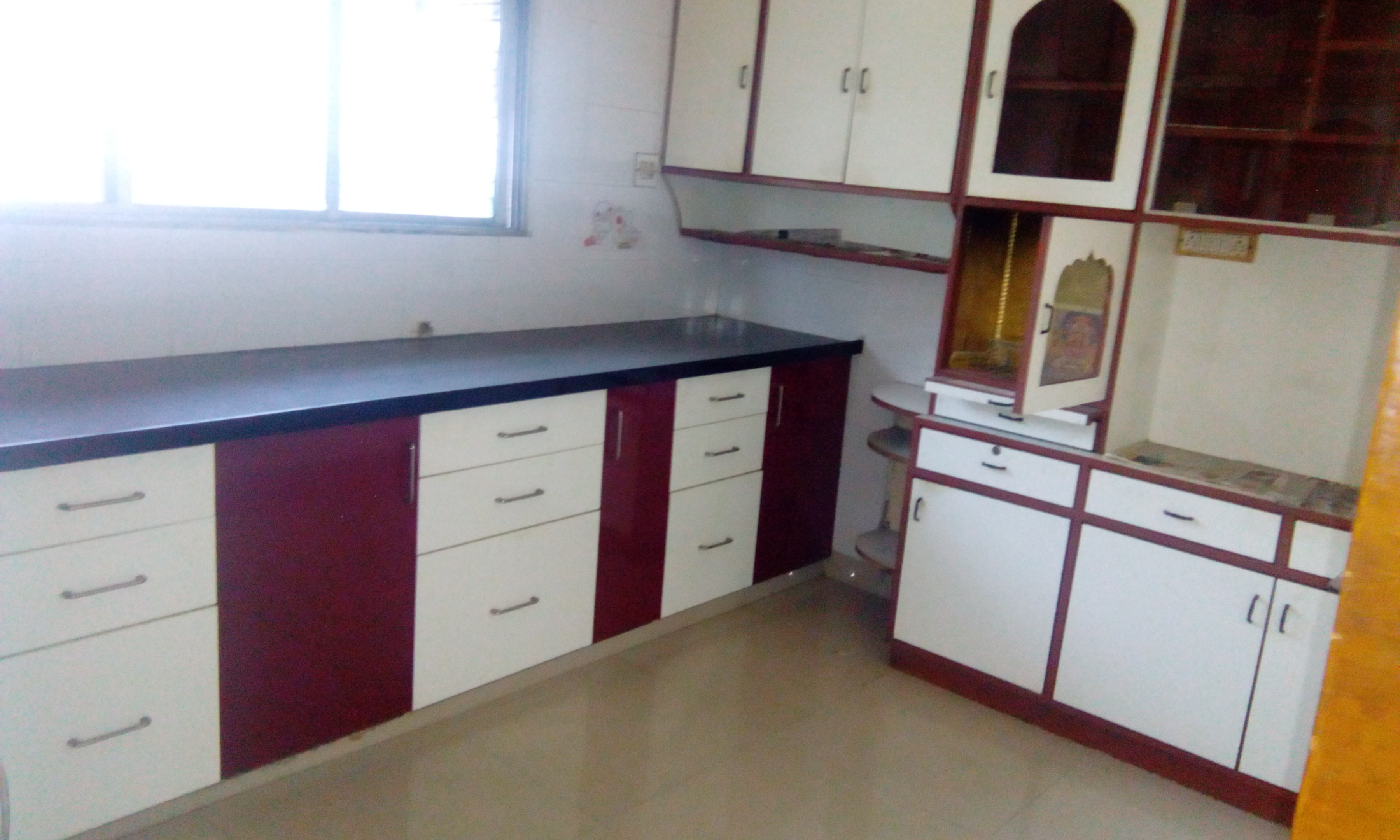 On ground floor 3bhk semifurnished with wardrobe, modular kitchen facility for rent 20000 at bajaj nagar