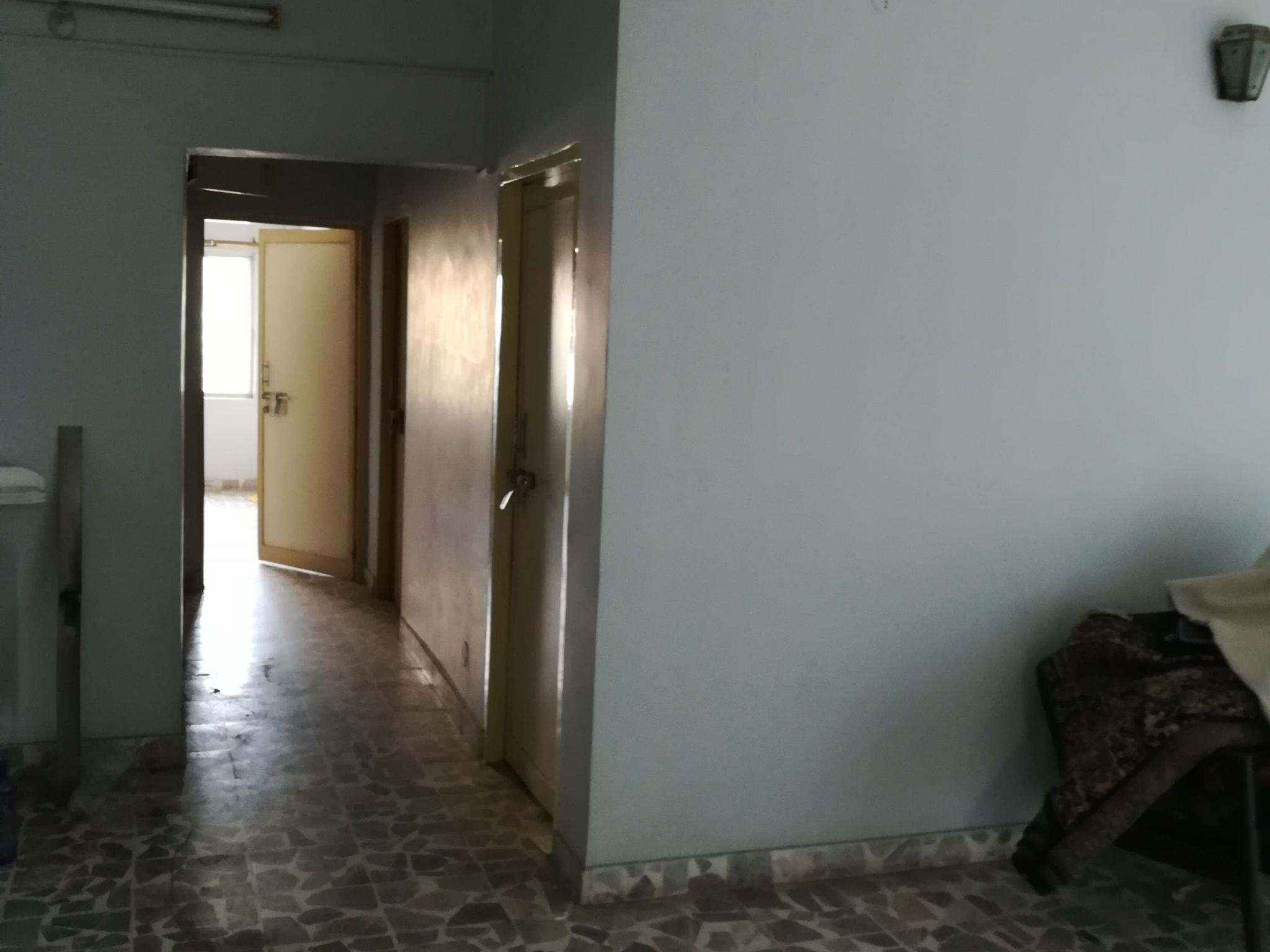 On 3rd floor 2bhk posh flat for rent 10000 at manish nagar