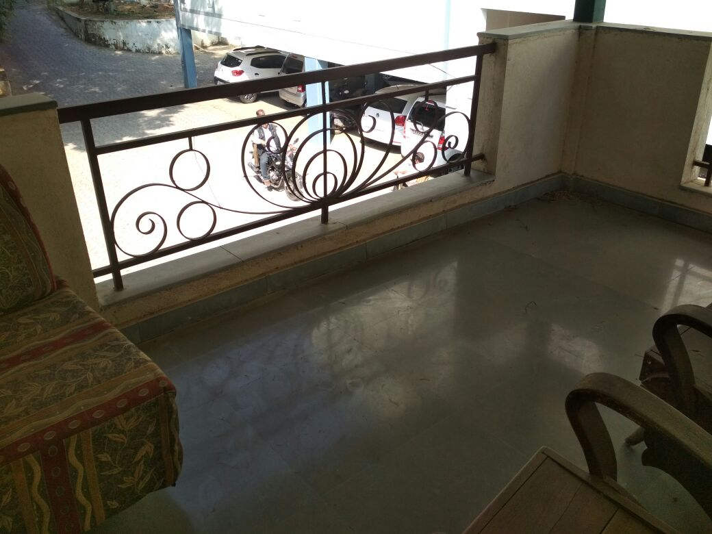 ground floor 2bhk posh flat for rent 15000 at ajni square