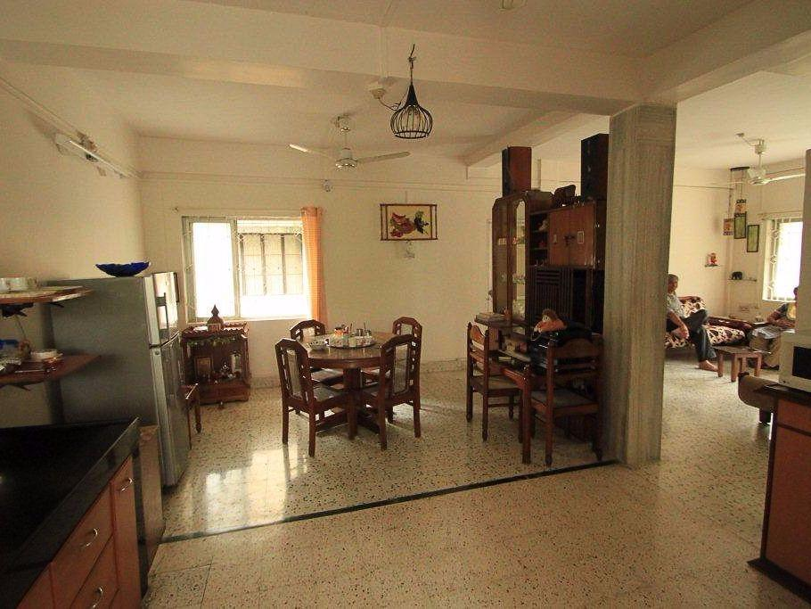 2bhk on 1st floor for rent 17000 semifurnished with wardrobe ,modular kitchen ,2balcony , flat is available for rent at gandhi nagar hill road .