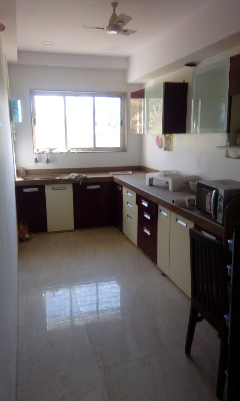 3bhk flat with Excellent ventilation. for Office  or residance ,in  Manish Nagar