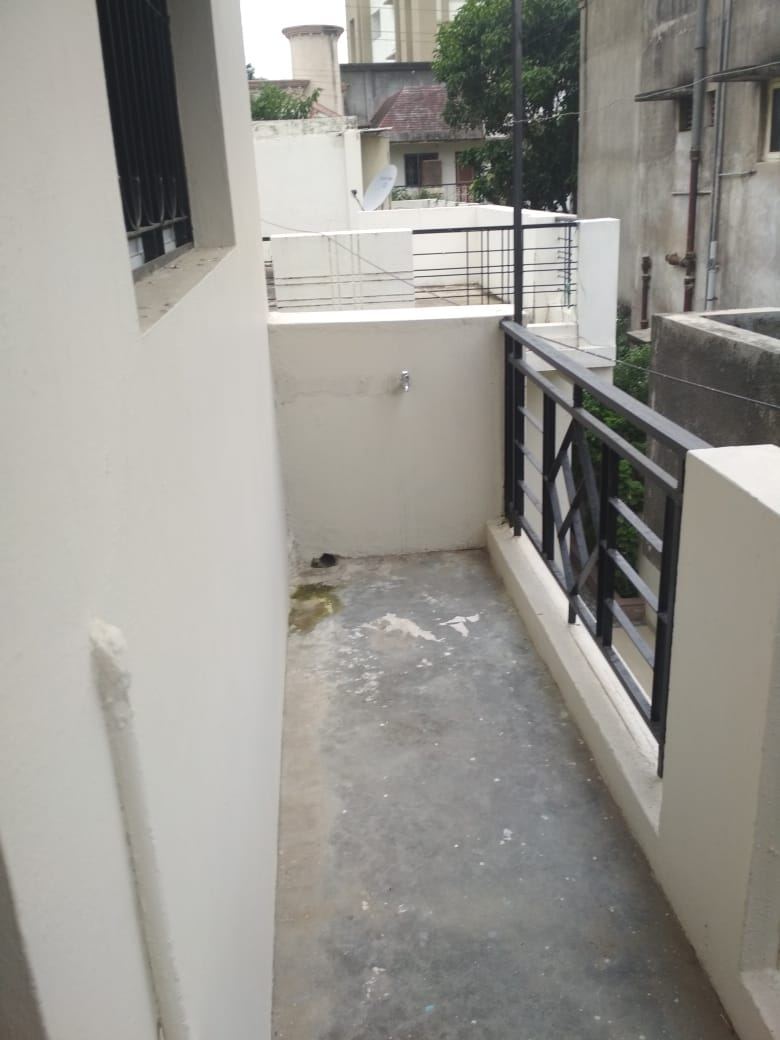 On 1st floor  1bhk Independent/builder floor is available for rent 10000