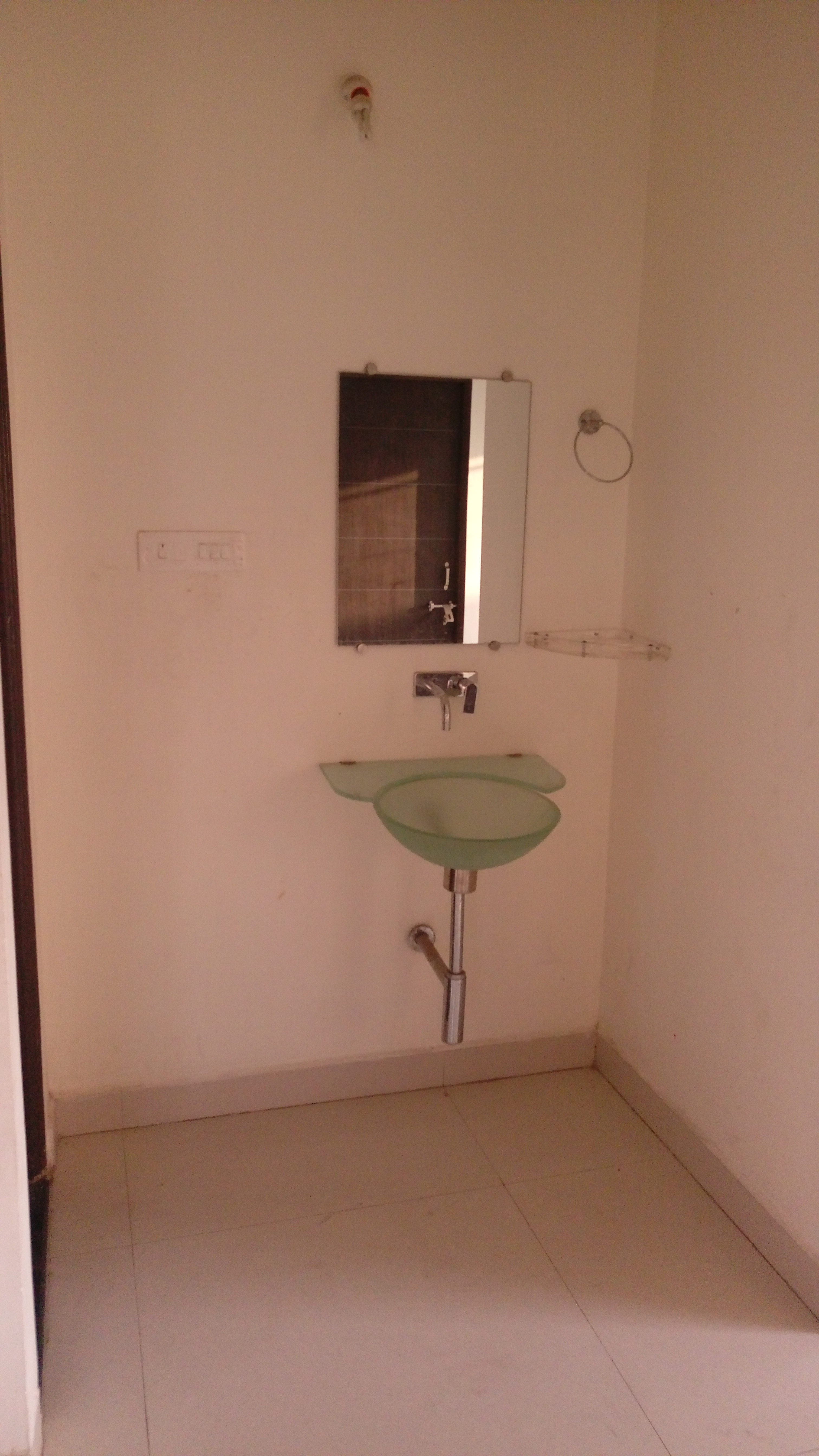 On 1st floor 2bhk house for rent 10000 in Pannase layout ,
