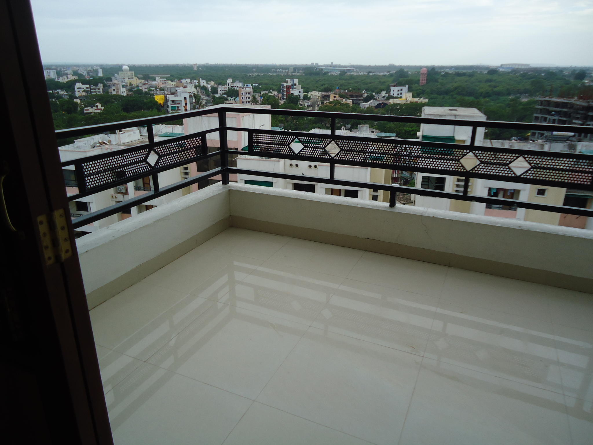 3bhk fully furnished apartment for rent at khamla nagpur ,every amenities is their
