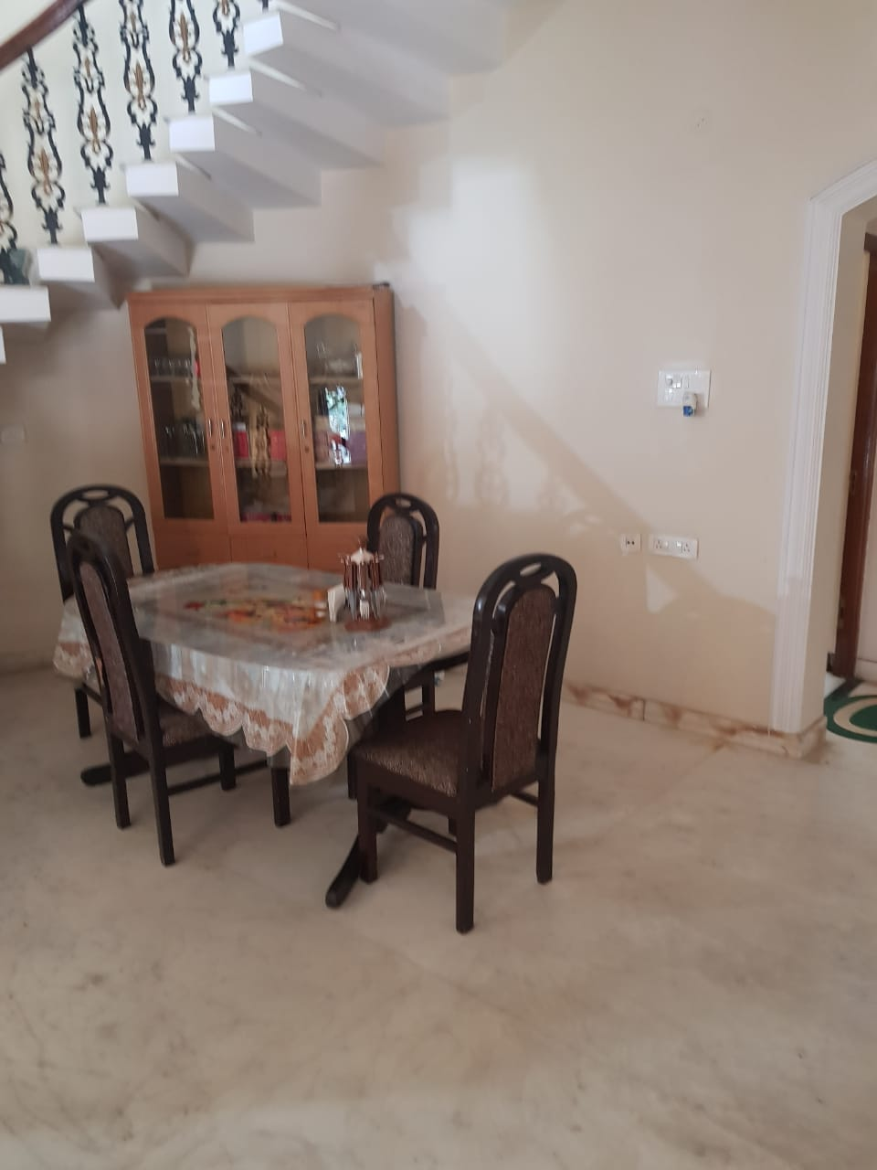 Luxurius 4bhk fully furniished independent bunglow on rent in swavlambi nagar