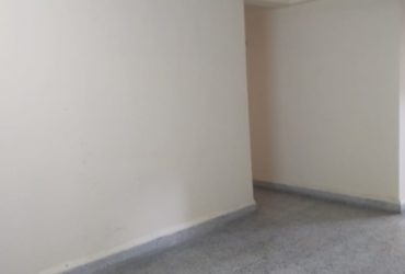 In prime location 3bhk apartment available  for rent in Laxmi nagar