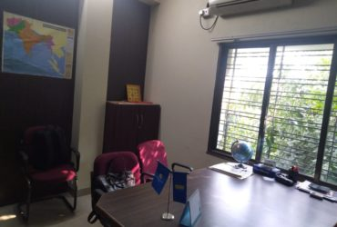 Road touch 750sqft. double height space available for office rent at abhyankar nagar.