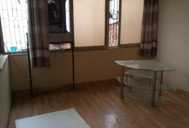 This is an excellent 2 BHK flat for rent in Dhantoli, Nagpur.