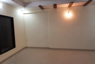 This is an excellent 3 BHK flat for rent in Shankar Nagar, Nagpur.