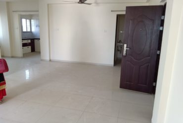 Specious 3bhk with dinning space semifurnished flat for rent available at swavlambi nagar