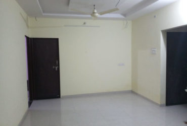 Well maintained, prime location ,2bhk semifurnished flat Near to uco bank, Narendra nagar