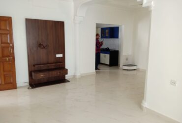 3 bhk apartment available in rachana apartments, swavlambi nagar