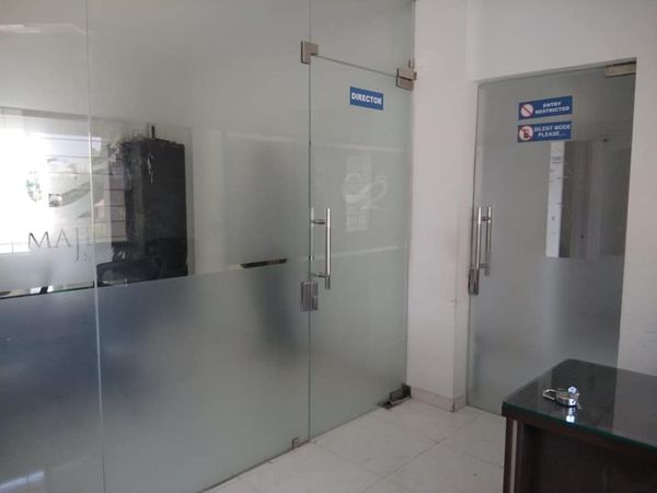 commercial property for rent at matey squar